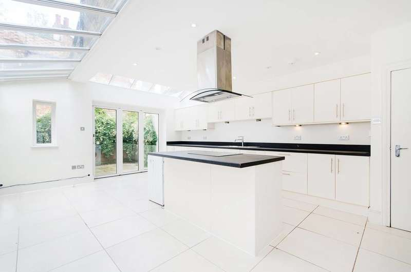 4 Bedrooms House for sale in Gowan Avenue, Munster Village, SW6