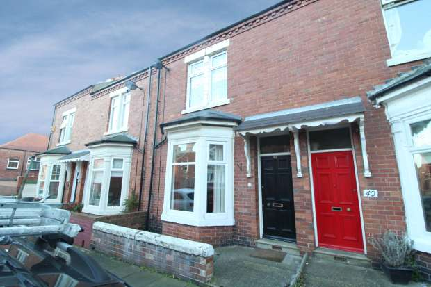 3 Bedrooms Terraced House for sale in Banbury Terrace, South Shields, Tyne And Wear, NE34 0SE