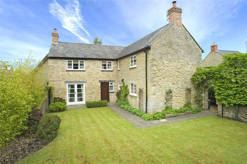 5 Bedrooms Detached House for sale in Hinton-in-the-Hedges, Brackley, Northamptonshire, NN13