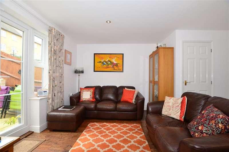 3 Bedrooms End Of Terrace House for sale in Premier Way, Kemsley, Sittingbourne, Kent