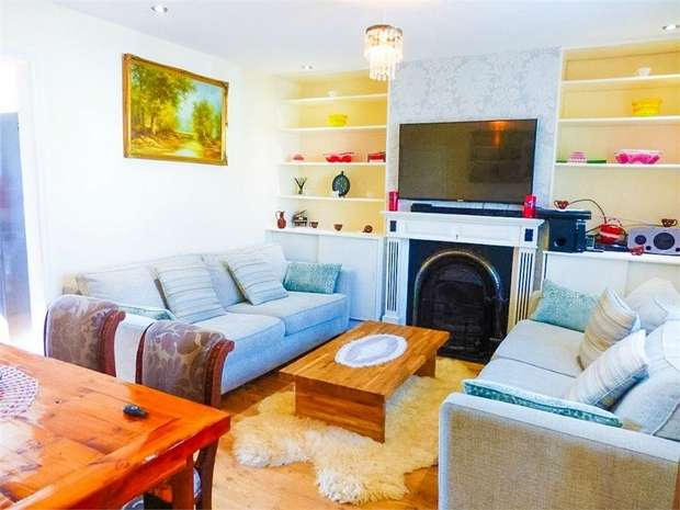 3 Bedrooms Terraced House for sale in Howard Road, Isleworth, Middlesex