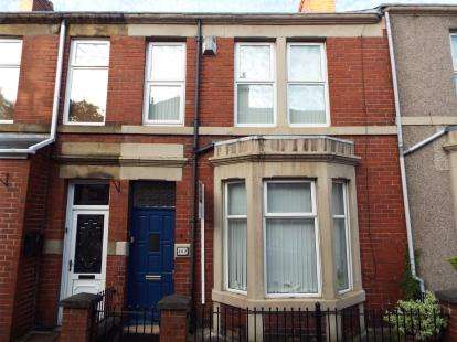 3 Bedrooms Terraced House for sale in Rectory Road, Bensham, Gateshead, Tyne and Wear, NE8