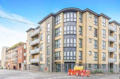 1 Bedroom Flat for sale in 74 Canal Walk, Southampton, Hampshire