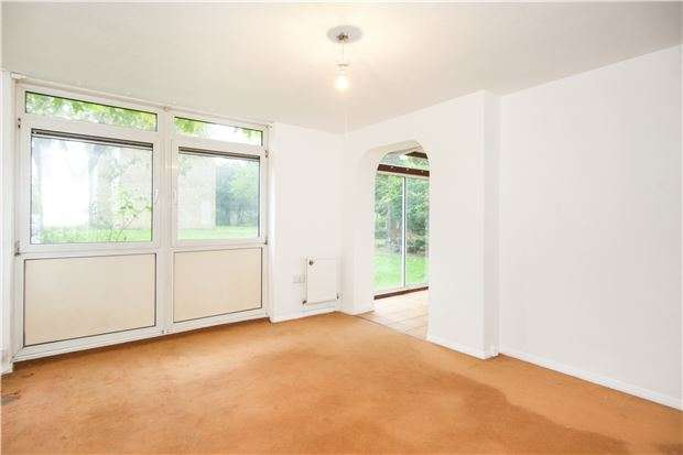 2 Bedrooms Flat for sale in Greenfield House, Tilford Gardens, LONDON, SW19 6DN