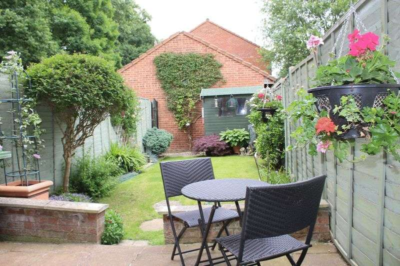 2 Bedrooms Terraced House for sale in Balcon Way, Borehamwood