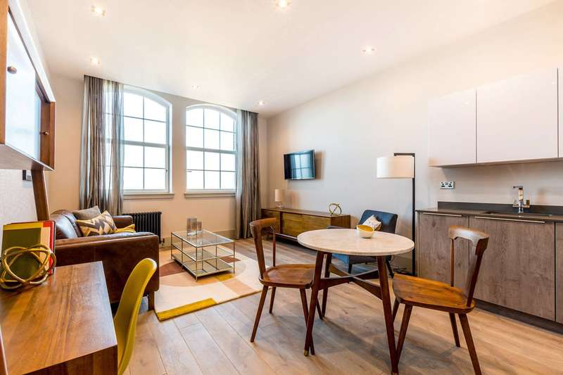 1 Bedroom Flat for sale in Dunstable Road, Richmond, TW9