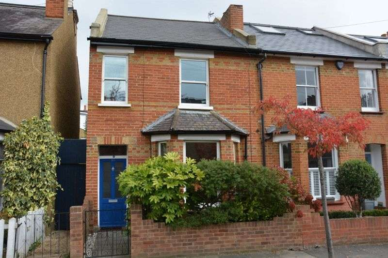 2 Bedrooms Terraced House for sale in Wick Road, Teddington