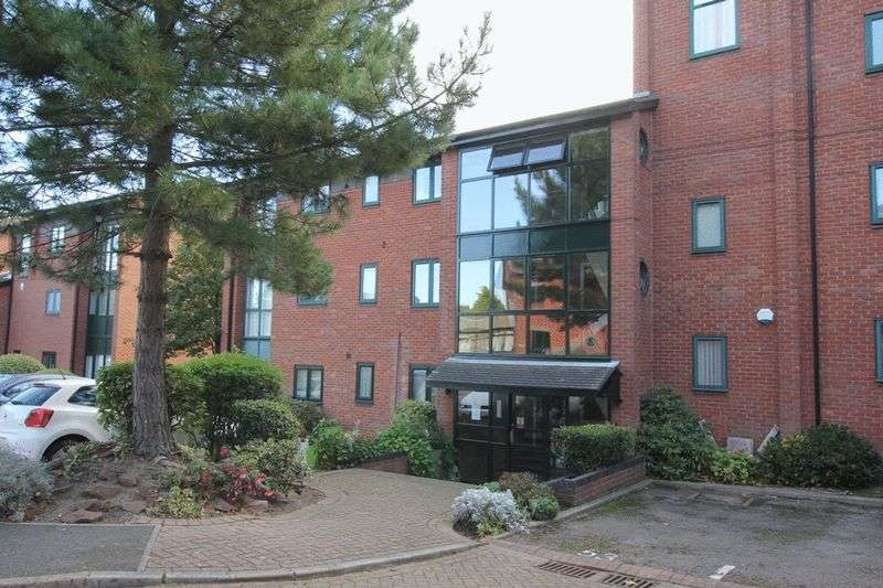 2 Bedrooms Flat for sale in Priory Wharf, Birkenhead, Wirral