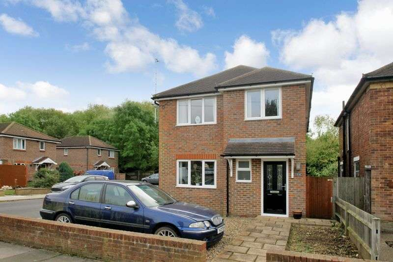 2 Bedrooms Semi Detached House for sale in Woodlands Avenue, Ruislip, Middlesex