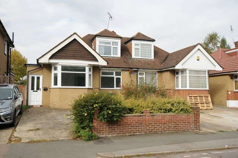 3 Bedrooms Bungalow for sale in Woodmere Avenue, Watford, WD24