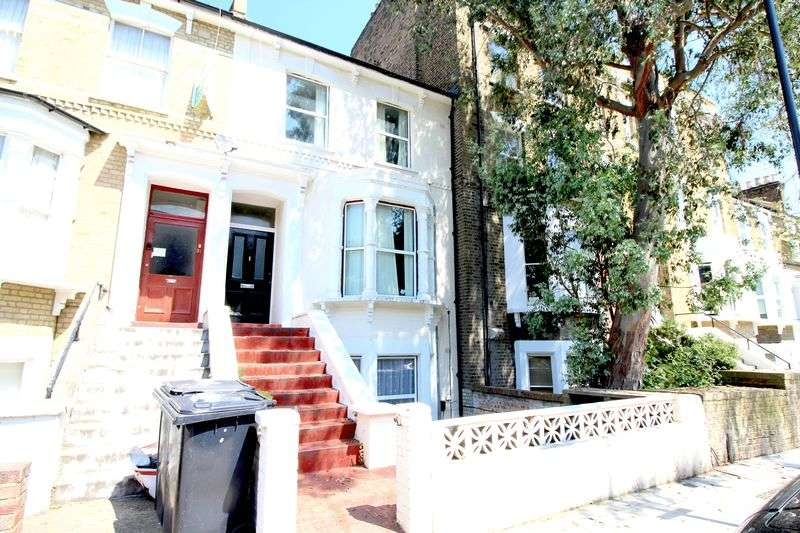 2 Bedrooms Flat for sale in Farleigh Road, London