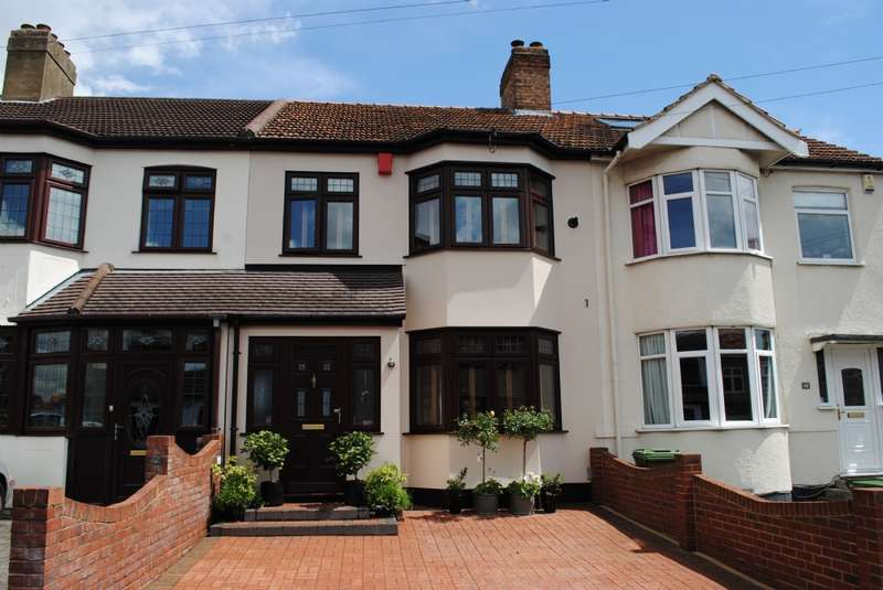 3 Bedrooms Terraced House for sale in Northdown Road, Hornchurch