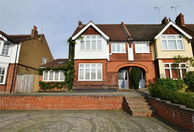 4 Bedrooms Semi Detached House for sale in Oxhey Road, WATFORD, Hertfordshire
