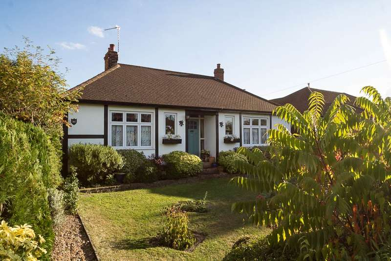 3 Bedrooms Chalet House for sale in Coppice Drive, Wraysbury, TW19