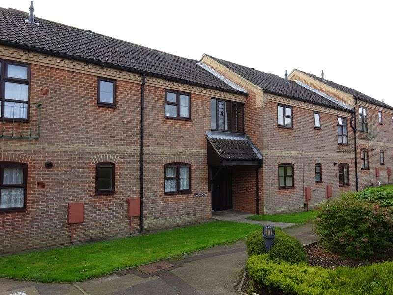 2 Bedrooms Flat for sale in Rowan Court, New Costessey, Norwich