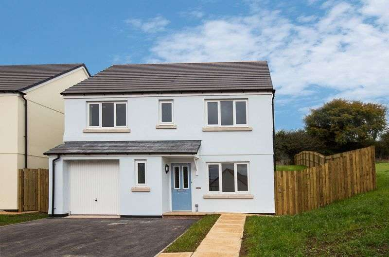 4 Bedrooms Detached House for sale in Batheway Fields, North Tawton