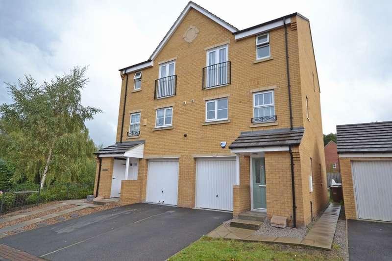 4 Bedrooms Semi Detached House for sale in Primrose Way, Horbury