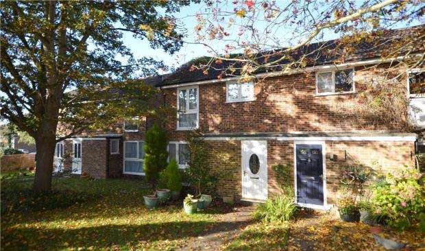 3 Bedrooms Semi Detached House for sale in Longlands Way, Camberley, Surrey