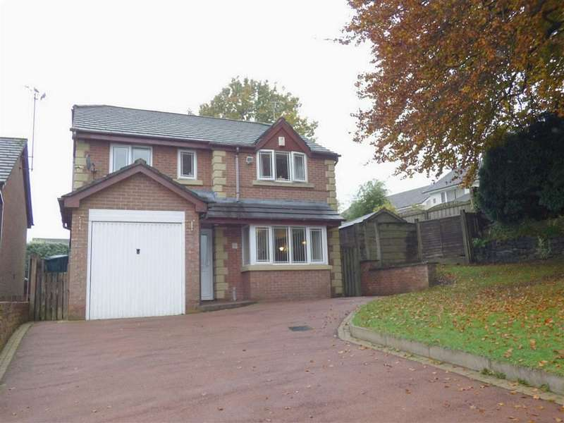 4 Bedrooms Property for sale in Hillstone Avenue, Shawclough, Rochdale, Lancashire, OL12