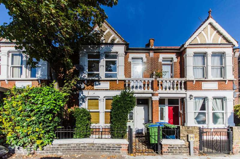2 Bedrooms Flat for sale in Charlton Road, Charlton, SE7