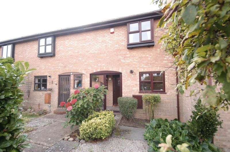 2 Bedrooms Terraced House for sale in Orache Drive, Maidstone