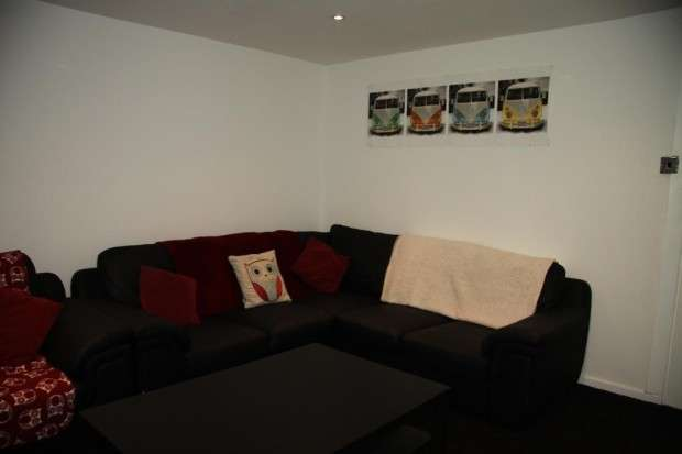 9 Bedrooms Terraced House for rent in Belle Vue Road, Leeds, LS3