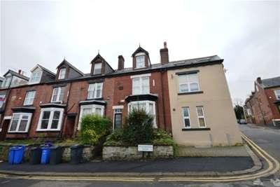 4 Bedrooms House for rent in Westbrook Bank, Sharrowvale, S11 8YJ