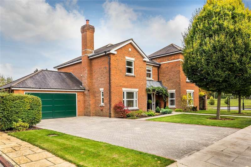 5 Bedrooms Detached House for sale in Tower Place, Warlingham, Surrey, CR6