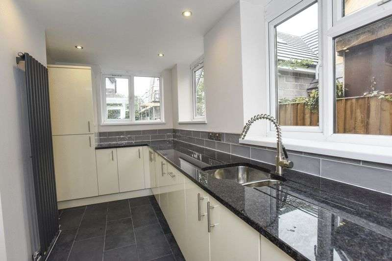 3 Bedrooms Semi Detached House for sale in Stourbridge Road, Hagley