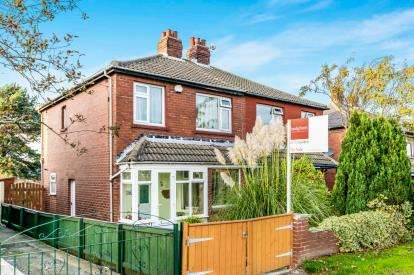 3 Bedrooms Semi Detached House for sale in Leeds and Bradford Road, Bramley, Leeds, West Yorkshire