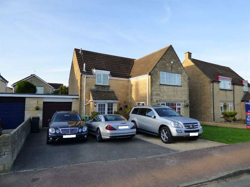 4 Bedrooms Detached House for sale in Cherry Tree Drive, Cirencester, Gloucestershire