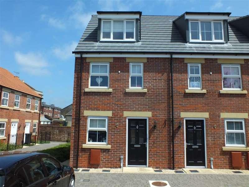 3 Bedrooms Property for sale in St James Gardens, Trowbridge, Wiltshire, BA14