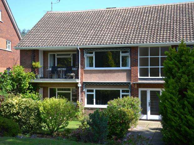 3 Bedrooms Flat for sale in Stoneborough Court, East Budleigh Road, Budleigh Salterton, Devon