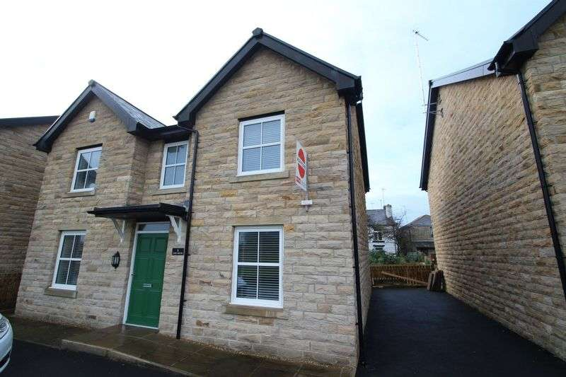 4 Bedrooms Detached House for rent in Lime House, Road Lane, Healey, Rochdale
