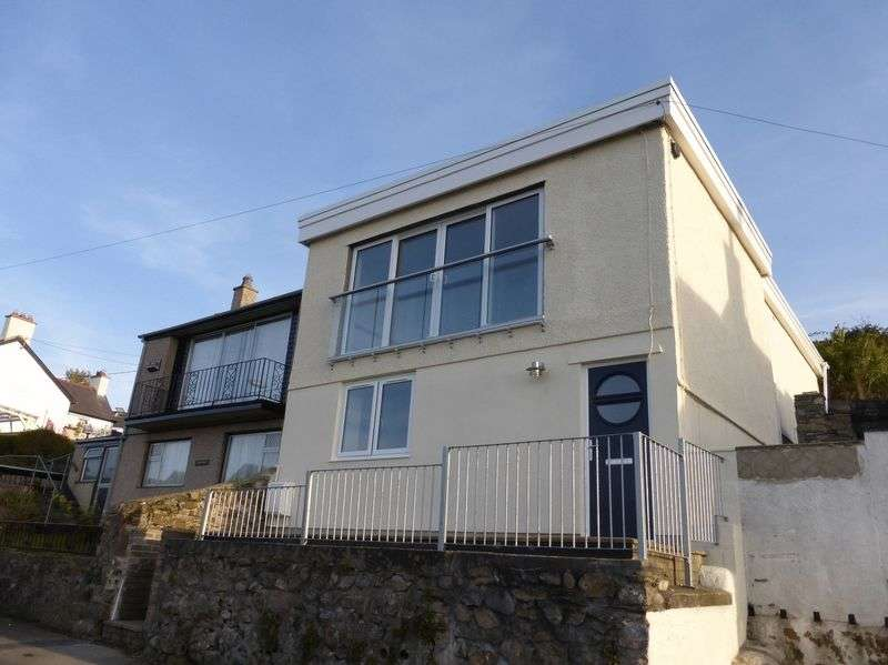 2 Bedrooms Detached House for sale in Y Felinheli