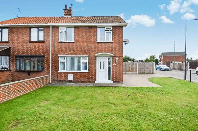 3 Bedrooms Semi Detached House for sale in 36 Wroot Road, Finningley, Doncaster, DN9 3DP