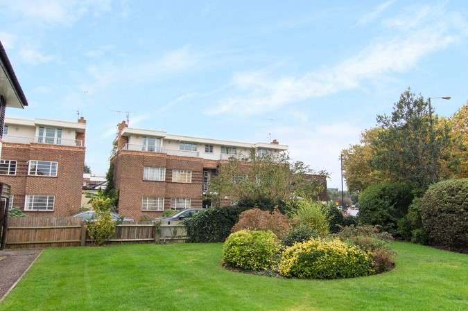 1 Bedroom Flat for sale in London Road, Twickenham