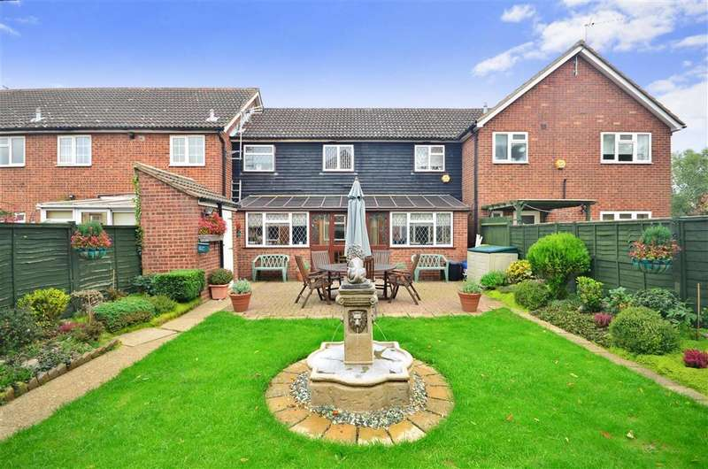 3 Bedrooms Terraced House for sale in Duck Lane, Thornwood, Epping, Essex