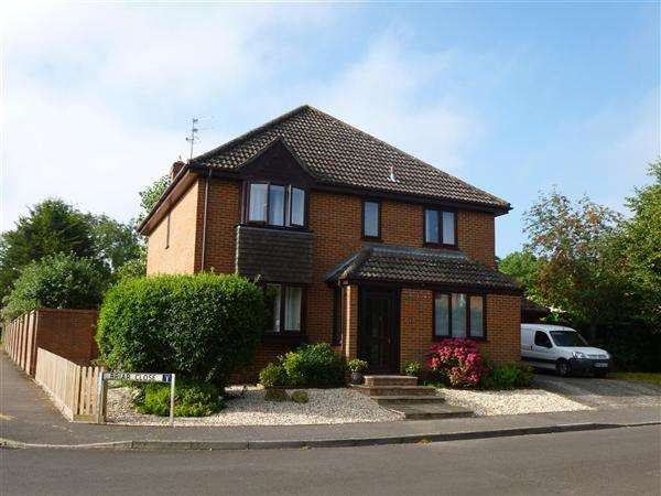 4 Bedrooms House for sale in Briar Close, Gillingham