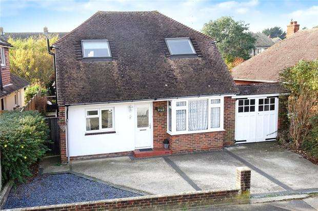 4 Bedrooms Detached House for sale in Windmill Drive, Rustington, West Sussex, BN16