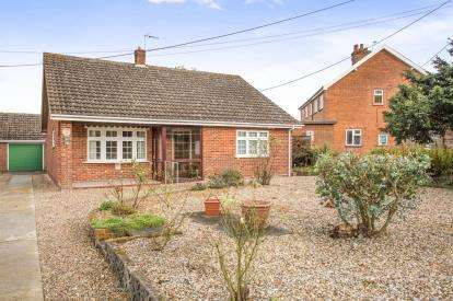 2 Bedrooms Bungalow for sale in Garveston, Dereham, Norfolk