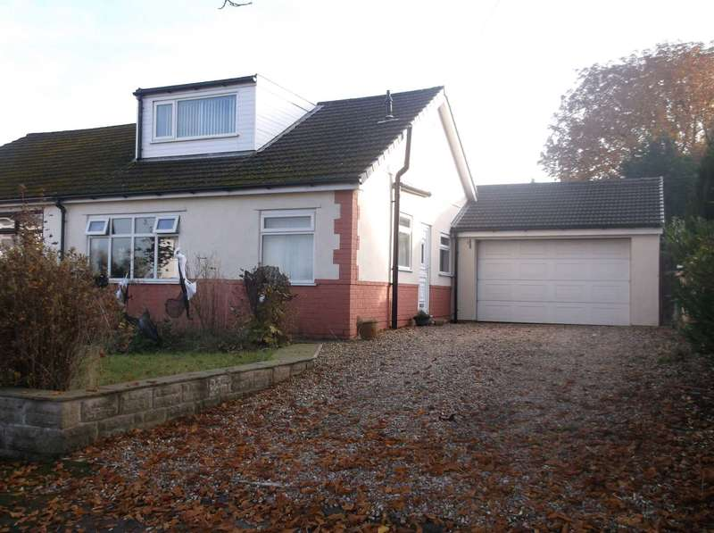 3 Bedrooms Semi Detached House for sale in Tempest Road, Chew Moor