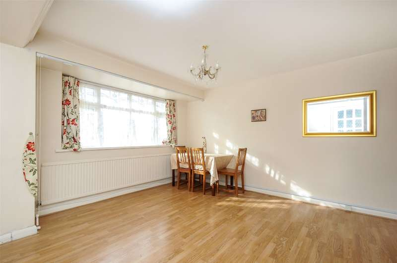 3 Bedrooms House for sale in Ivanhoe Drive, Harrow, Middlesex, HA3