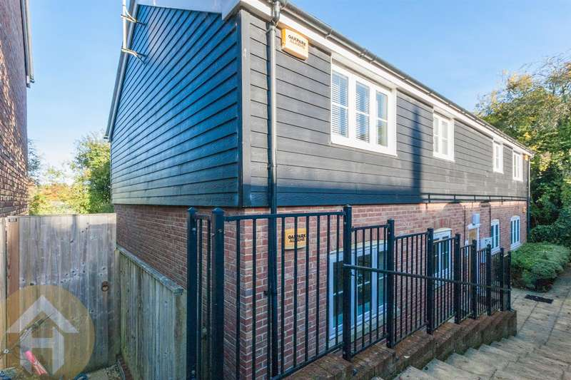 1 Bedroom Property for sale in Valley View, Aldbourne, Marlborough