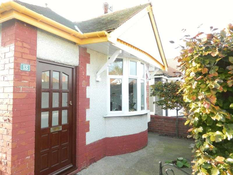 2 Bedrooms Detached Bungalow for sale in Regent Road, RHYL