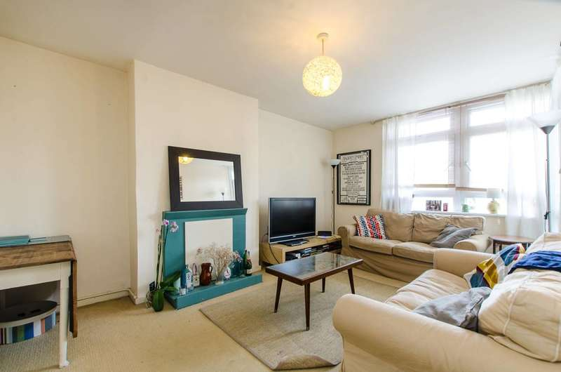3 Bedrooms Flat for sale in Cambridge Heath Road, Bethnal Green, E1