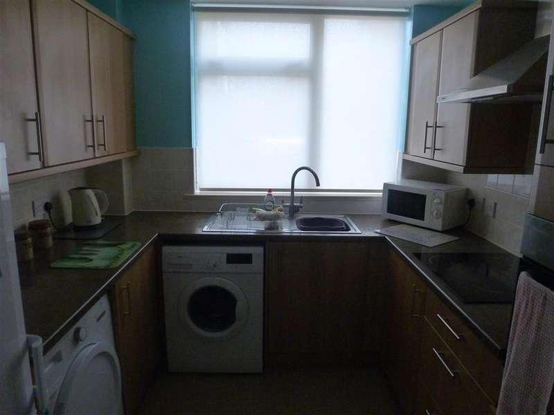 2 Bedrooms Ground Flat for sale in Juniper Square, Havant, Hampshire