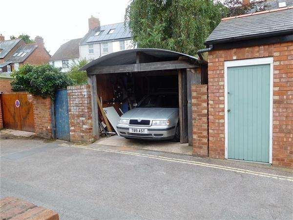 5 Bedrooms Terraced House for sale in Parkfield Way, Topsham