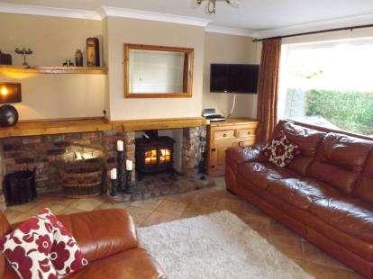 4 Bedrooms House for sale in Manor Avenue, Penwortham, Preston, Lancashire, PR1