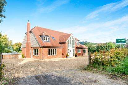 5 Bedrooms Detached House for sale in Ropley, Alresford, Hampshire